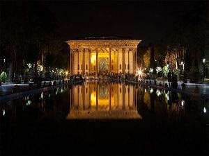 Palais Chehel Sotoun Ispahan-Circuit historique en Iran