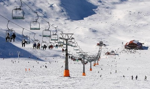 Circuit du ski et excursion nautique en Iran