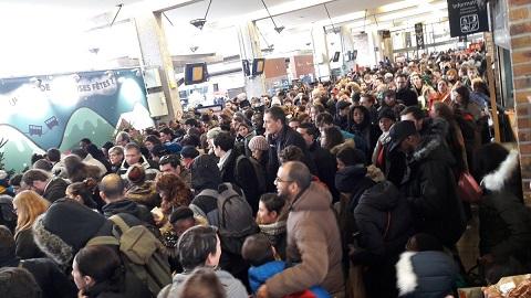 Week-end de Noël : la SNCF accusée de surréservations, les voyageurs exaspérés