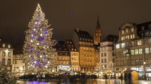Strasbourg s'érige en capitale de Noël