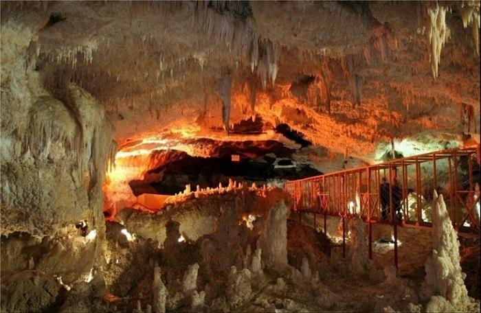 la grotte katalekhor