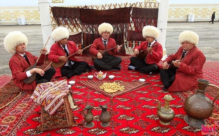 Vêtements Turkmènes