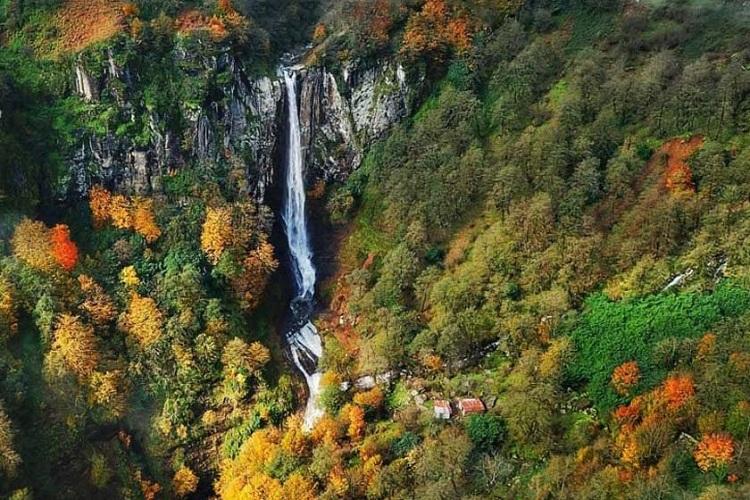 Cascade Laton